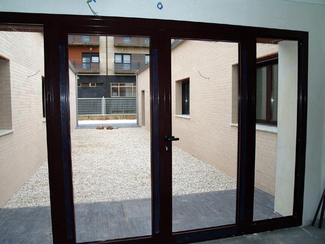 Cierres de aluminio sevilla materiales de construcci n for Ventanas de aluminio en sevilla